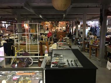 River Road Flea Market