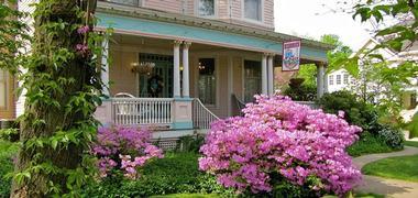 Romantic getaways in Missouri: Walnut Street Inn