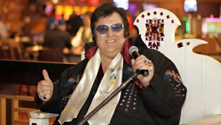 Las Vegas Freebies -Pete Vallee perform