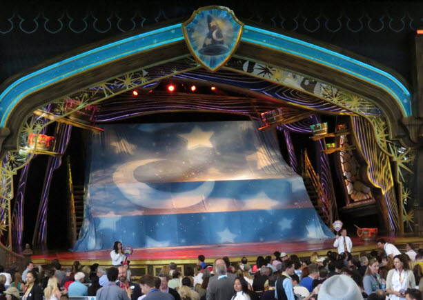Entertainment Disneyland Shows - Fantasy land