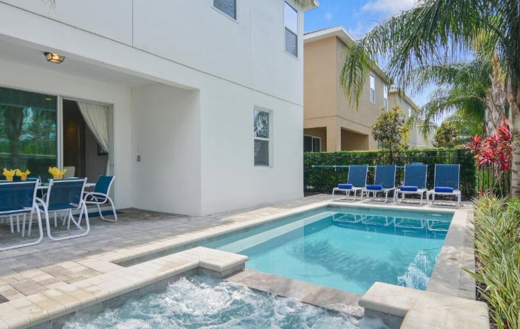 Orlando Florida Holiday Villas - 491-Luxury Villa w Pool &Spa