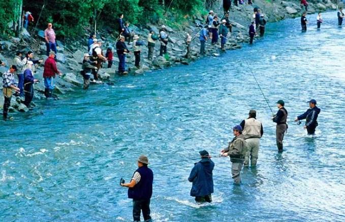 Fishing at Ship Creek alaska