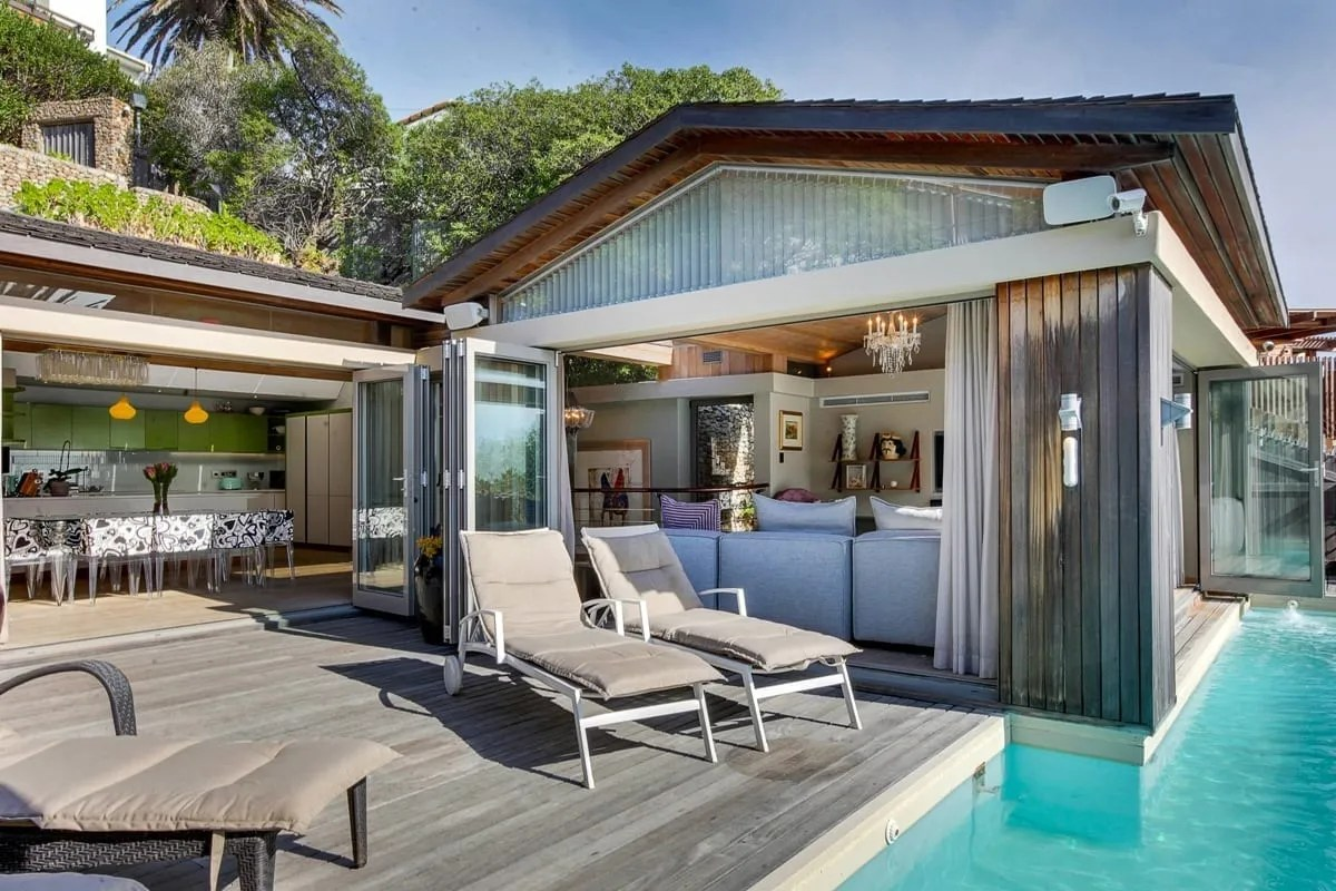 Bungalow 25 on 3rd Beach