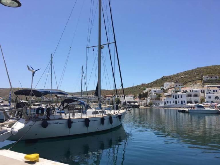 skippered sailing charter greece greek cyclades islands sailboat charter company sailing skipper crewed
