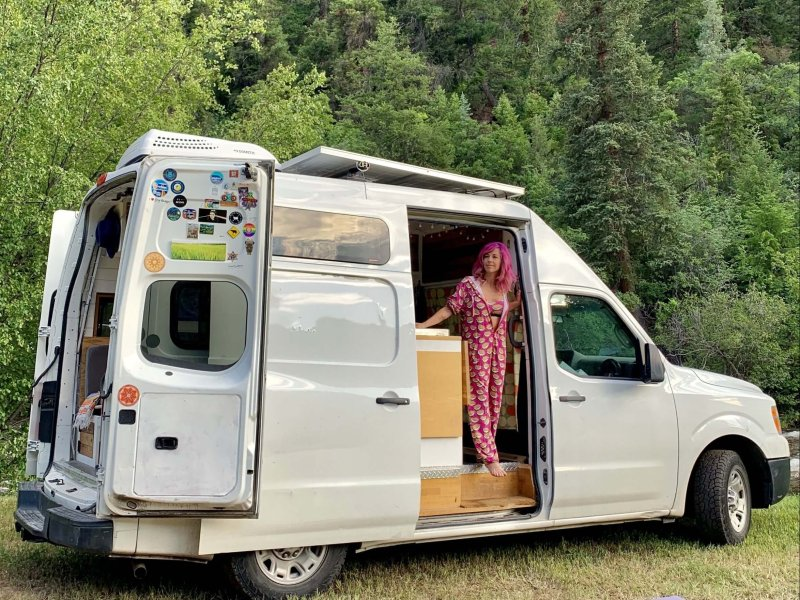 Feeling lost in life? Define your core values complete list exercise by Lisa Jacobs vacay vans