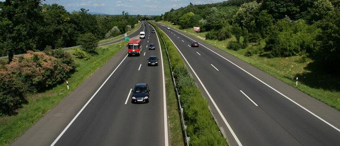 M2-es autóút egy szakasza-700