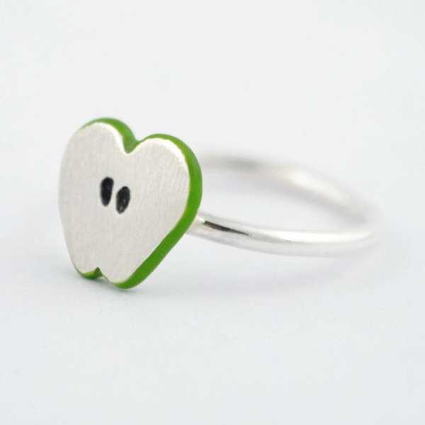 Anillo de plata corazón de manzana verde