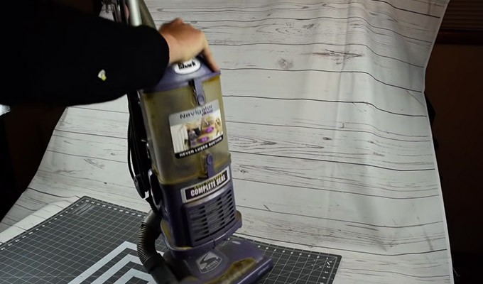 How To Empty Dirt and Dust Container Shark Navigator Vacuum FI