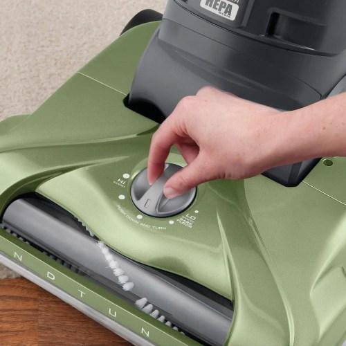 Hoover WindTunnel UH70120 T-Series Rewind Plus Bagless Upright Vacuum 5 Position Carpet Height Adjustment