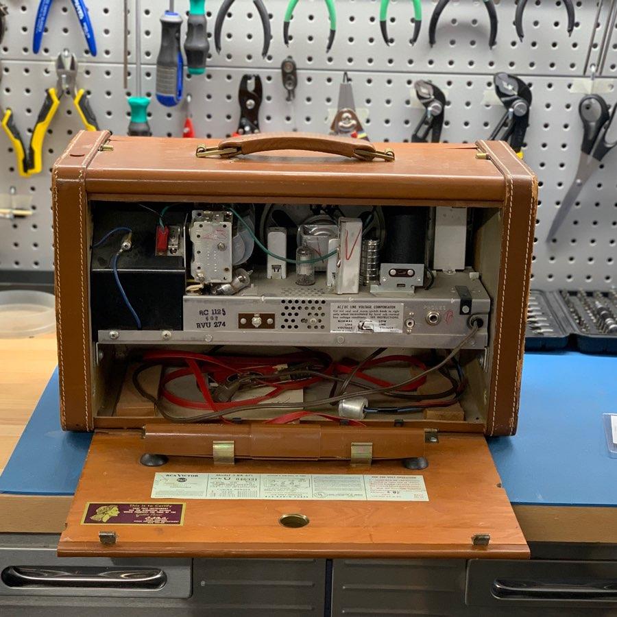 RCA Victor 3-BX-671 vintage radio repair