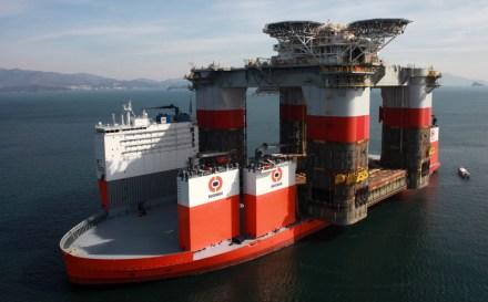 2013-02-08-dockwise-vanguard-loading-jsm-hull-02