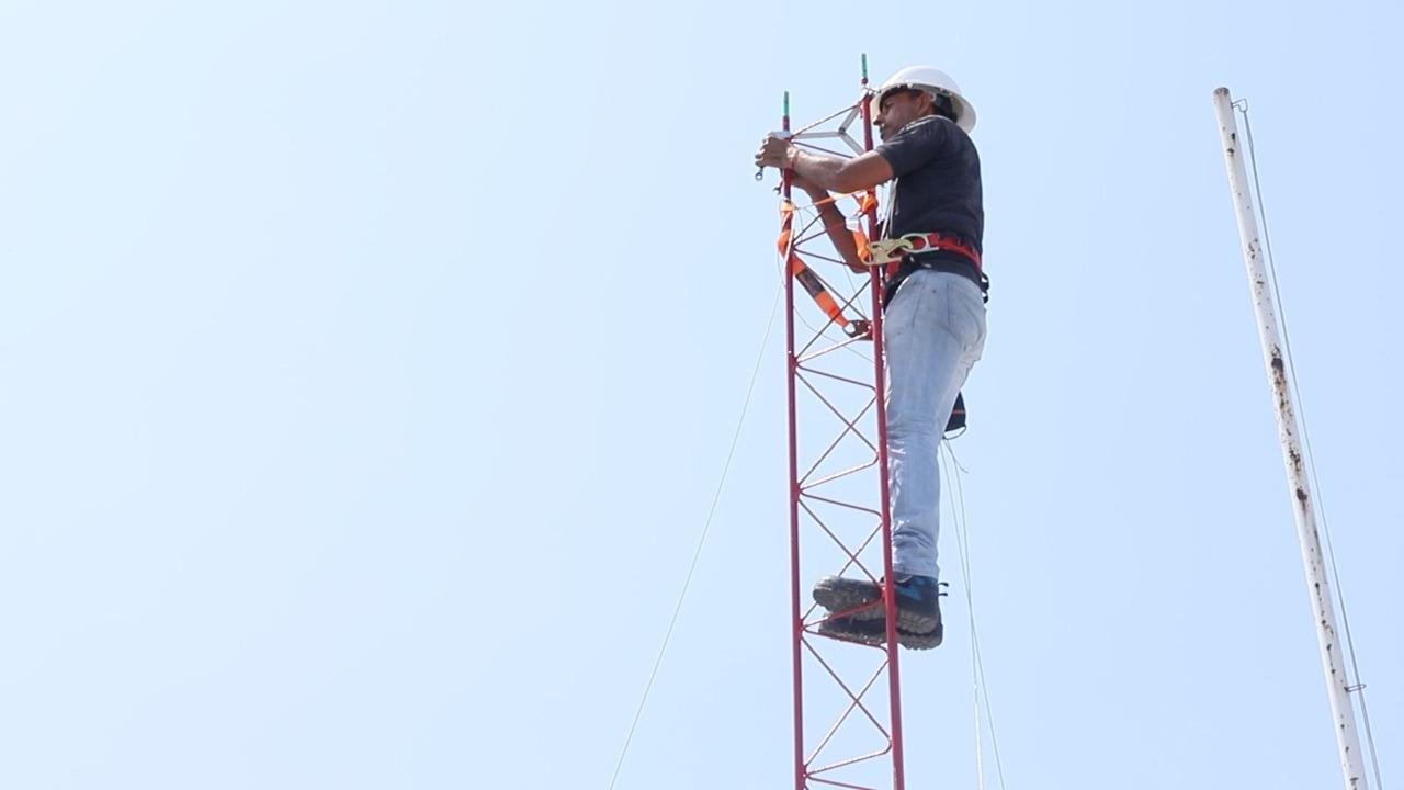Instala Ayuntamiento de Manzanillo equipamiento para dotar de Internet gratuito a las comunidades