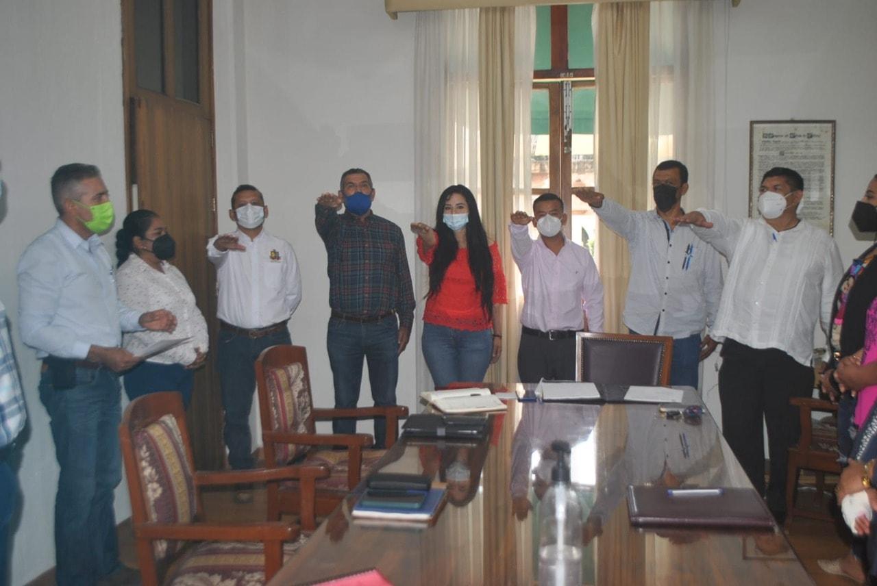 En su primera sesión Cabildo de Minatitlán, nombra a funcionarios del Ayuntamiento