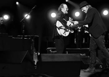 Neil Young, Willie Nelson, Stephen Stills & More Team Up for Light Up The Blues 6 May 30 at Greek Theatre; Tickets on Sale Feb. 12