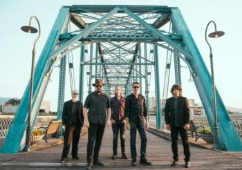 The AC/DC Experience, Andres Calamaro, The Levellers…