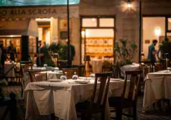 Piazzetta Alfredo: outdoor dining in the centro storico