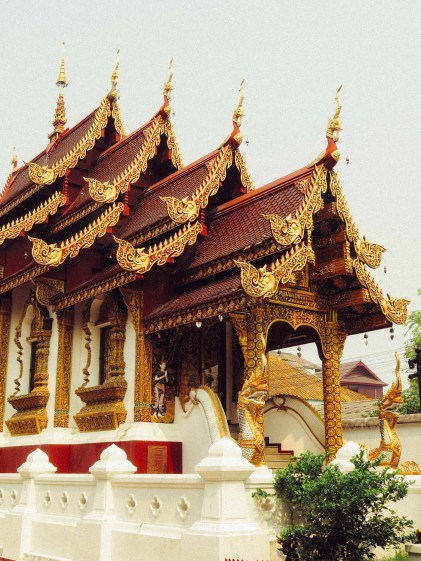 The Chofas on the roof of the main Bot at Wat Chiang Man.