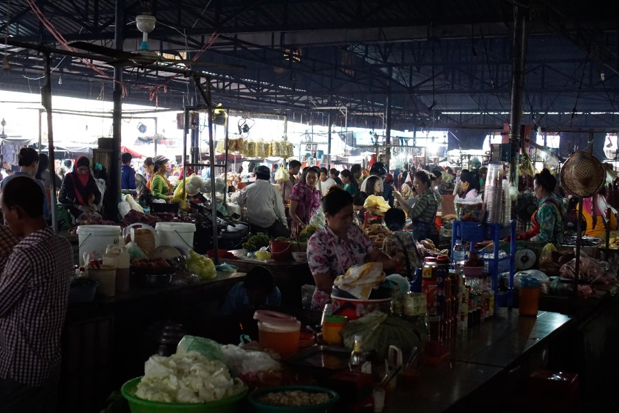 Vagabondays-Cambodian-Markets-3