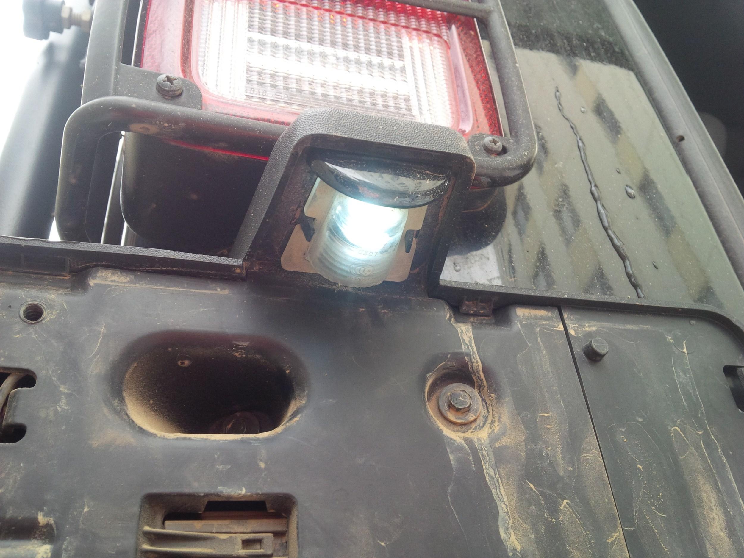 LED license plate bulb