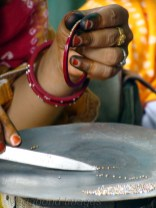 Joining the dots! Bangle worker in Rajasthan