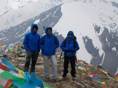Ananfd and Poorna with their instructor Shekhar Babu, who himself is a Everest winner and Arjun Awardee
