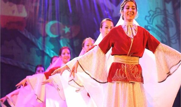 2014-10-16-03-44-34_Worldfest 2011 - Performance by Turkey