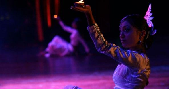 2014-10-16-22-49-18_Worldfest 2012 - Performance by SriLanka