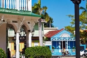 AmberCove_MO1_2270R1-Puerto Plata Town sm