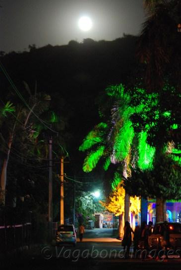 When the moon shows the way! (at Dudh Talai)