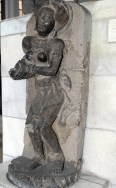 A statue of Yakshini, offering water to drink.