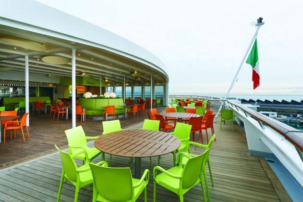 Alfresco Bar, open deck