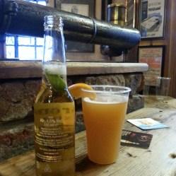 Pubs y cerveza en Donegall Street, Commercial Court, Belfast