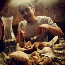 Hamburguesas y pollo en Le Coop - Hill Street - Belfast