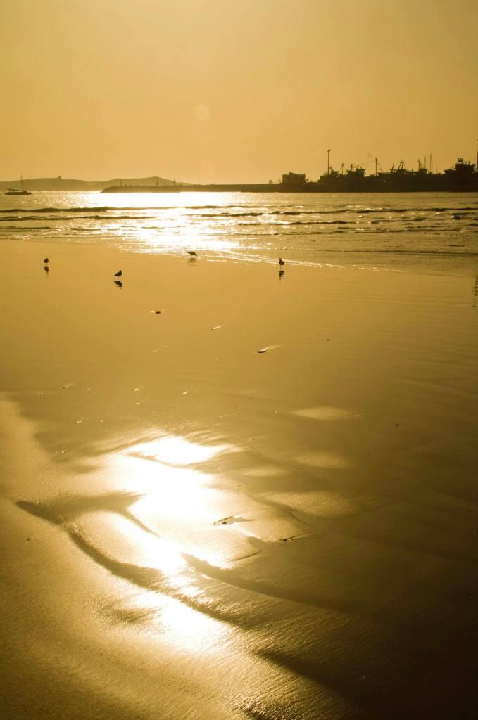 Atardecer en la playa de Esauira