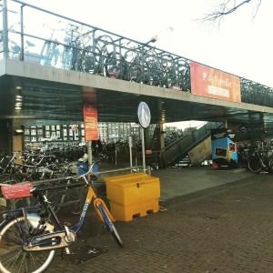 Parking de bicicletas en Amsterdam