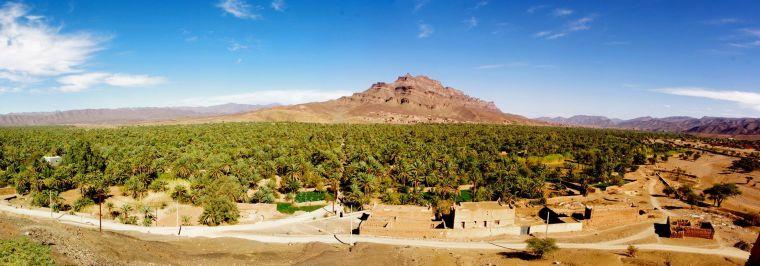 Valle del Draa, con oasis, huertos y palmerales