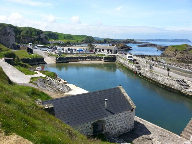 Ballintoy Harbour es en Juego de Tronos Pyke Harbour en las Islas de Hierro