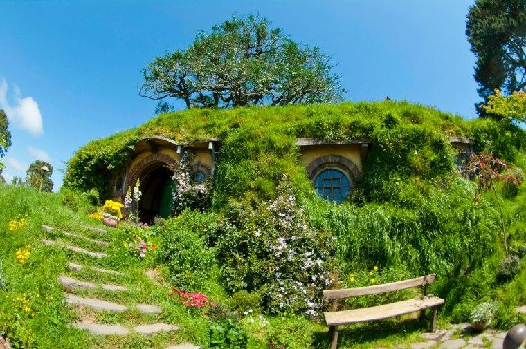 El roble sobre la casa de Bilbo Bolson en Hobbitton