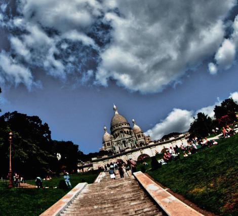 Subida al Sacre Coeur en Montmartre, París