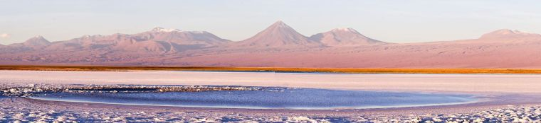 Atardecer en la multicolor laguna Tebinquinche