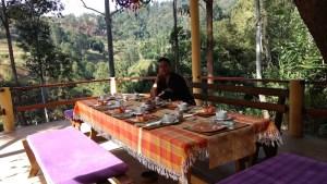 Hora del desayuno en el hotel Waterfalls Homestay, Ella. Sri Lanka