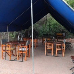 Campamento Big Game en el parque natural de Wilpattu. Sri Lanka
