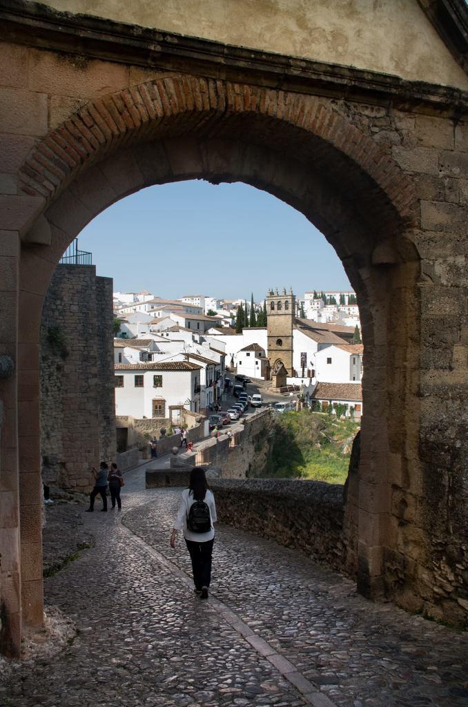 La Puerta de Felipe V daba acceso a la ciudad de Ronda desde el Puente Viejo