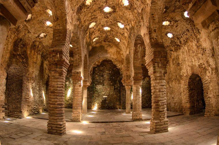 Los Baños Árabes de Ronda, del siglo XIII, los mejor conservados de España