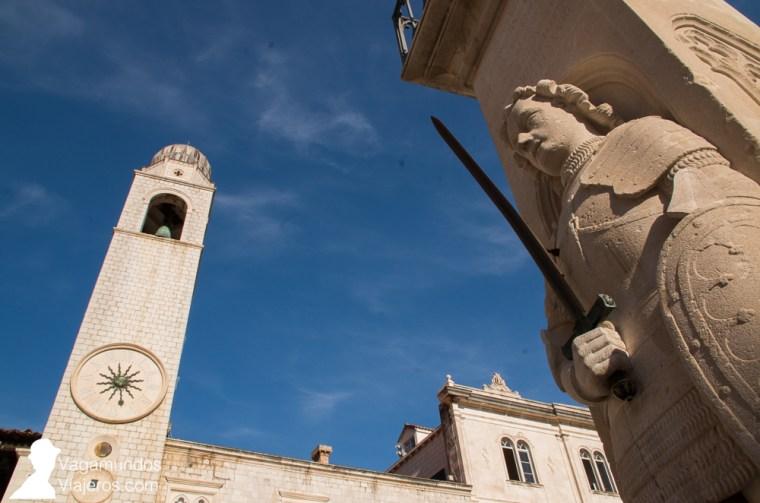 Columna de Orlando, de la que se toma la unidad de medida oficial: el codo de Dubrovnik