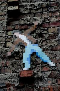 Arte callejero Invader en Budapest, cerca del ruin bar Szimpla Kert