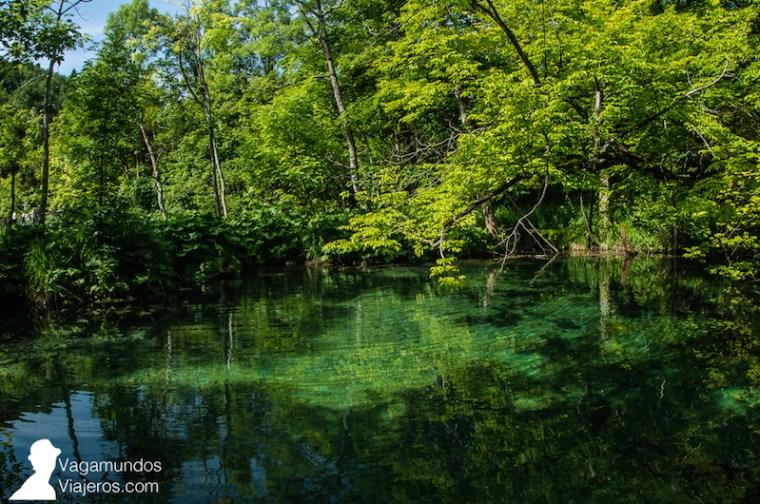 El color del agua varía en función de la profundidad, la cantidad de minerales, la hora del día...