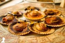 Zamburiñas, uno de los platos que disfrutamos en Terraza de Chicolino, en A Pobra do Caramiñal, Galicia