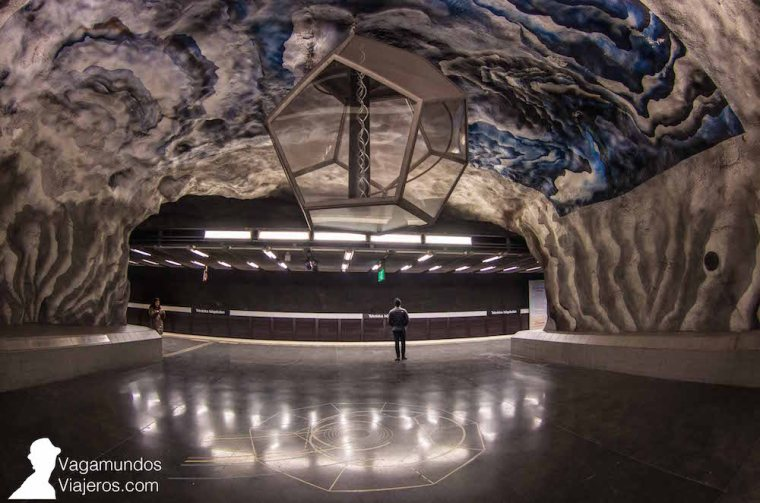 La estación de metro Tekniska Hogskolan, junto al Instituto Tecnológico de Estocolmo