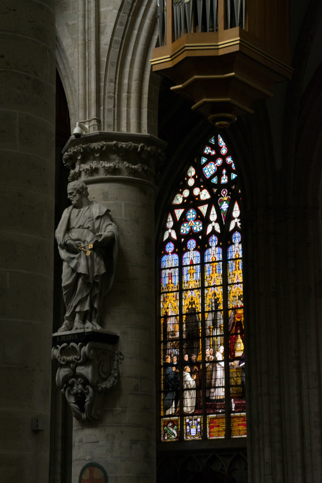 Interior de la Catedral de Bruselas